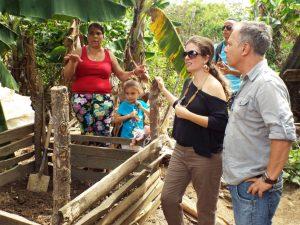 10-2015_Visita Las Placetas con Basura Cero (2)