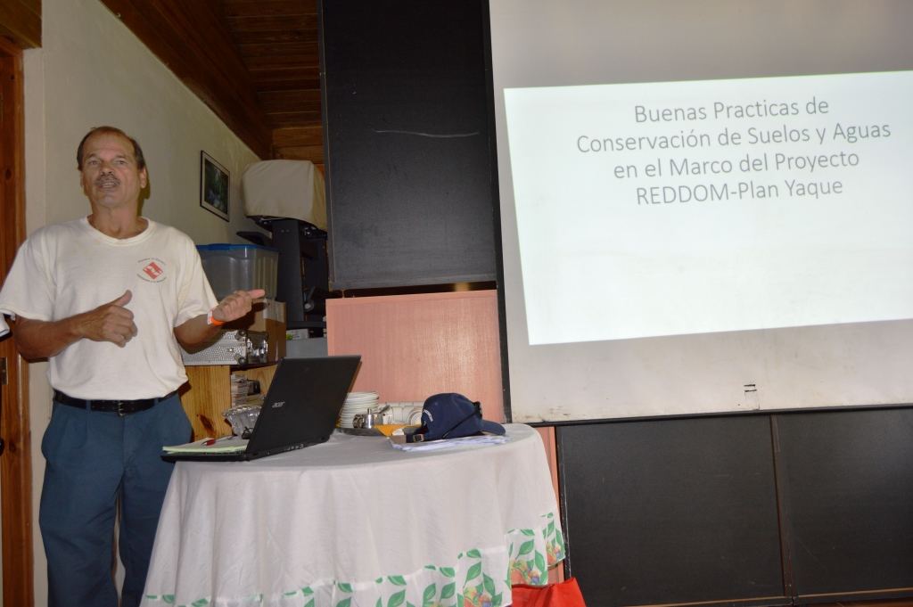 Presentation by Ing. Jeff Knowles (Farmer to Farmer) and Clara Fernández (Citizen Participation - PC) & lsaquo; Plan Yaque, Inc.