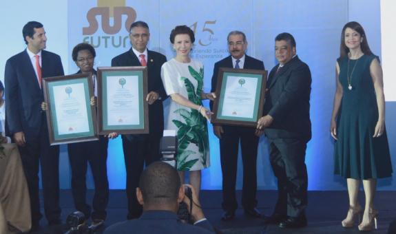 Premio Ecologico a la Siembra de Agua - Plan Yaque, Inc.